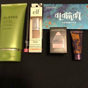 Makeup bundle